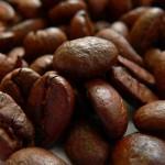 なんということだ…カフェインの取り過ぎは腰痛につながるらしいぞ…!