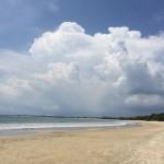静かなるビーチ、バリ島・ジンバランは静かにボッタくる(動画あり)