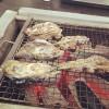 なんと1kgで1000円! 養殖カキを焼きまくれる&食べまくれる福岡・糸島の「岐志漁港」がアツい
